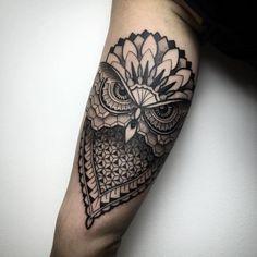 Tattoo geometric Eule Tattoo Mandala Tattoo mit abstrakten Muster Tattoo Arten Tattoo Geometric Owl Tattoo Mandala Tattoo with abstract pattern tattoo styles Trendy Tattoos, Black Tattoos, Tattoos For Guys, Tattoos For Women, Cool Tattoos, Gorgeous Tattoos, Owl Tattoo Design, Tattoo Designs Men, Tattoo Owl