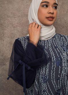 Tops Model Kebaya, Tops, Fashion, Moda, Fashion Styles, Fashion Illustrations