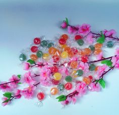 TENEREZZE ALLA FRUTTA ASSORTITA Morbide e succose caramelle di frutta, tutte naturali, ricche di succo di fragola, mela, mora, pesca e ciliegia. OGM FREE, GLUTEN FREE #primavera #colori #sapori #ZUCCHERO #PREMIUMQUALITYCANDY  www.zuccherocandy.it/