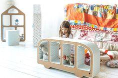 Bussy Cardboard Bookshelf (via Cardboard Friends on Etsy)