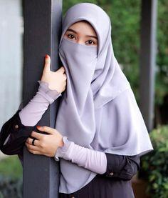 wanita bercadar Hijab Niqab, Muslim Hijab, Muslim Dress, Hijab Chic, Mode Hijab, Arab Girls Hijab, Muslim Girls, Beautiful Muslim Women, Beautiful Hijab
