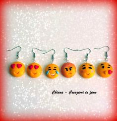 Orecchini in #fimo handmade #faccine Emoticons #kawaii miniature idee regalo amica , by Chiara - Creazioni in fimo, 5,00 € su misshobby.com #emoticons