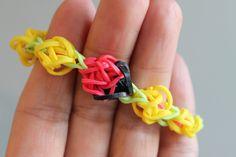 Rainbow Loom® Lieveheersbeestje Armband - http://www.rainbow-loom.nl/rainbow-loom-videos-voorbeelden/rainbow-loom-nederlands-lieveheersbeestje-ladybug-armband/