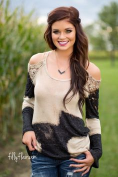 A gorgeous top for your fall outfit!