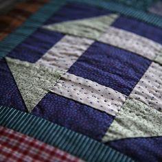 Sew some and knit some. | 바느질하는 아나입니다.