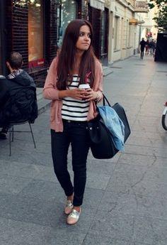 Bershka  Camisetas, Bershka  Pantalones and Bershka  Zapato plano