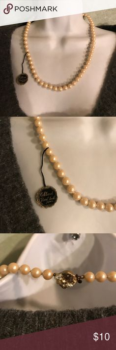 Woman's fashion necklace Cultured pearl look necklace Jewelry Necklaces