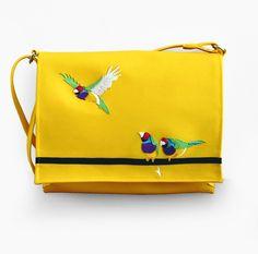 Special one for Tereza #amadinagouldova #bird #pták #ptáček #domácímazlíček #gouldianfinch #yellow #žlutá #kabelka #eatmefashion Heart Of Europe, Bag Accessories, Bird, Birds