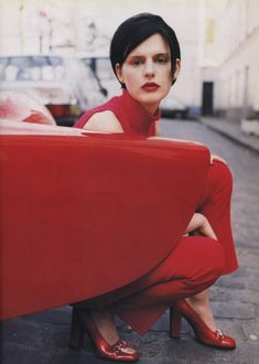 stella tennant by walter chin for vogue italia august 1995.