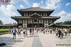 Portão Nandai-mon (Great Southern Gate) do século 13, e pelas estátuas gigantes de Niō, deuses benevolentes com aproximadamente 8 metros de altura, que são os guardiões do templo. Todaiji: O templo do Buda gigante em Nara. Fonte: Portal Mie