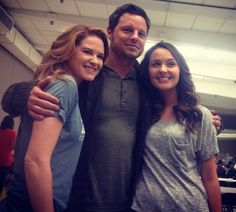 Camilla, Justin and Sarah Justin Chambers, Sarah Drew, Camilla Luddington, Greys Anatomy Cast, Derek Shepherd, On Set, Tv Shows, It Cast, Grey's Anatomy
