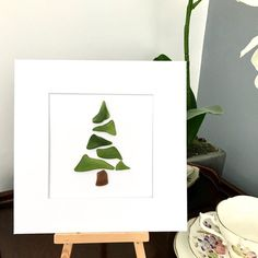 Christmas Arts And Crafts, Christmas Wall Art, Glass Christmas Tree, All Things Christmas, Christmas Tree Decorations, Sea Glass Crafts, Sea Glass Art, Pebble Pictures, Art Pictures