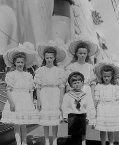 The Romanov children in 1908. Left to right: Maria, Tatiana, Olga, Alexei, and Anastasia.