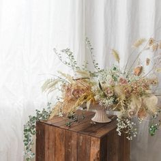 Love this color palette and texture! So unique. Perfect for a nontraditional and boho bride.