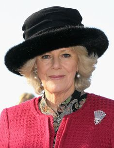 Camilla, Duchess of Cornwall takes the salute after presenting medals to service personnel on Whale Island on January 2012 in Portsmouth, England. The Duchess, who is Commodore in Chief of Royal. Camilla Duchess Of Cornwall, Duchess Of Cambridge, Posh People, Lady Louise Windsor, Prinz William, Camilla Parker Bowles, Elisabeth Ii, Lady In Waiting, Herzog