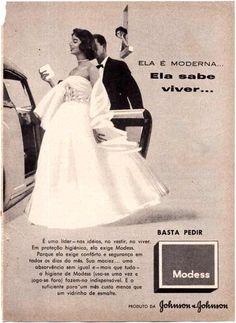 Publicidade antes do surgimento da pílula anti-concepcional (absorventes Modess) A mulher não podia controlar seu ciclo!