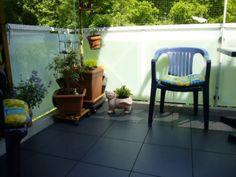 Bodenbelag mit Kunststoffplatten Bergo ELITE auf Balkon in grafithgrau