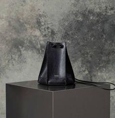 Rawpiece leather bag #RAWPIECE#leather#designer#design#raw#bag#VIASHOWROOM