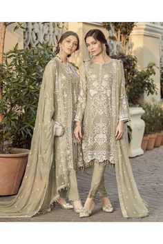 Misty grey pant kameez with dupatta. Work - Heavy embroidery on kameez with embroidery and border work on dupatta. Note : The product will be stitched (long style) as Pakistani Fashion Party Wear, Pakistani Formal Dresses, Pakistani Dress Design, Pakistani Wedding Dresses, Pakistani Outfits, Indian Dresses, Indian Outfits, Indian Fashion, Pakistani Bridal