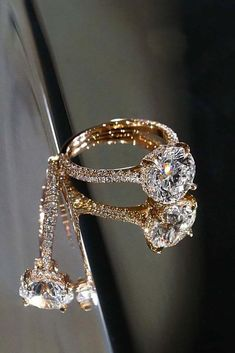 pretty diamond engagement ring #weddingring