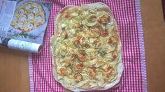 Flammkuchen mit Ziegenkäse, Rosmarin und Honig, ein gutes Rezept aus der Kategorie Vegetarisch. Bewertungen: 396. Durchschnitt: Ø 4,7.