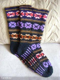 Knitting Socks, Hand Knitting, Knit Socks, Long Johns, How To Start Knitting, Pansies, My Works, New Work, Bunt
