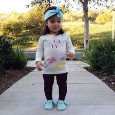 love her headband and moccs