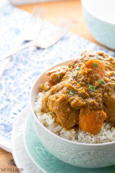 Slow Cooker Chicken & Sweet Potato Korma | sweetpeasandsaffron.com