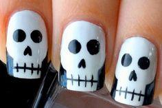 Nail art caveira