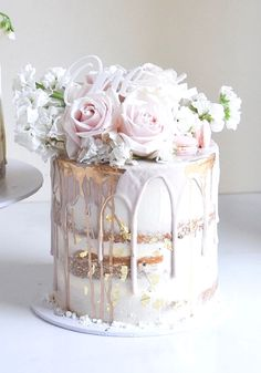 Amazing cake idea for your inspo 😍 Double tap if this could be your dream wedding cake … . Cake by Beautiful Birthday Cakes, Beautiful Wedding Cakes, Beautiful Cakes, Amazing Cakes, Pretty Cakes, Cute Cakes, Pasteles Halloween, Luxury Cake, Wedding Cake Stands