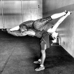 Pin for Later: Gorgeous Shots of Couples Doing Yoga to Inspire Your Day  Source: Instagram user rizzaboo6