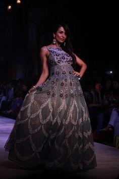 Anju Modi #DesignerShowcase at Lakme Fashion Week Summer Resort 2014 Day 4 #TheDayThatWas #MalaikaAroraKhan #Gowns #Printed #Gorgeous