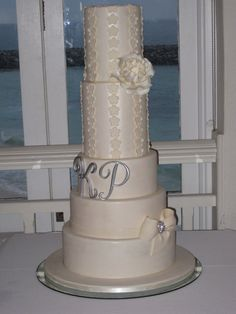 Elegant Wedding Cake - design inspired from Cake  the City