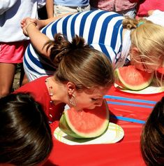 Watermelon Eating Contest-- fun at a summer cookout or of July party Haskovec I will totoally do this at our party lolzz 4th Of July Celebration, 4th Of July Party, Fourth Of July, Patriotic Party, Pool Party Games, Pool Party Kids, Fun Games, Cookout Games, Hawaiian Party Games