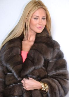 OUTLET RUSSIAN SABLE COAT.