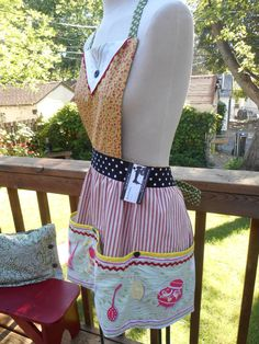 Upcycled Grandma Apron Women Cobbler Pocket Red Yellow