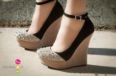 I found 'Two Toned Wedges with Spiked Toe' on Wish, check it out!