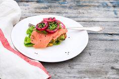 Let og lækker ramsløgspesto, der smager rigtig godt og er velegnet som tilbehør til salater, fisk og fjerkræ.