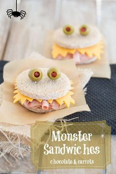 Check these great Halloween food ideas for kids party and let your children enjoy their spooky-tasty meal with our smart food crafts! Easy Halloween treats for a school party - creepy and creative appetizers, snacks and desserts to surprise your guests Halloween Party Snacks, Halloween Lunch Ideas, Halloween Fingerfood, Soirée Halloween, Healthy Halloween, Halloween Sandwich, Haloween Ideas, Halloween Office, Halloween Food Ideas For Kids