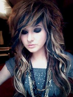 Scene Hair Color For Short Emo Hairstyles Coupes Emo, Pretty Hairstyles, Girl Hairstyles, Wedding Hairstyles, Updo Hairstyle, Hairstyles Pictures, Bridal Hairstyle, Black Hairstyles, Summer Hairstyles