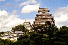 Stunningly beautiful photo of Himeiji Castle in Hyogo prefecture located in the southern part of Japan.