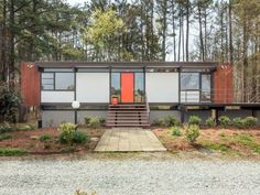 Mid Century Mondrian-y. I love it!