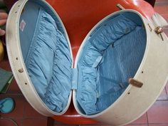 Your place to buy and sell all things handmade Vintage Luggage, Vintage Shoes, Samsonite Luggage, Trunks And Chests, Hat Boxes, Train Case, Luggage Bags, Etsy Vintage, Baby Blue