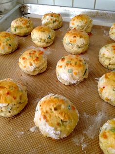 baked cheddar chive scones