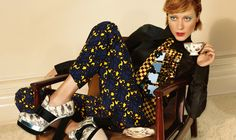 """Chloë Sevigny MiuMiu  """"2012-13年秋冬広告キャンペーンのミューズに女優のクロエ・セヴィニーを起用した。"""""""