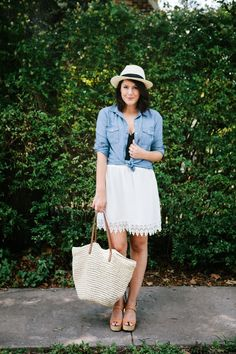 Kendi Everyday shows us what chic summertime fashion looks like. Summer Outfits For Teens, Spring Outfits, Skirt Fashion, Fashion Outfits, Fashion Ideas, Casual Outfits, Cute Outfits, Chambray Top, Style Challenge