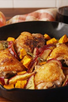 From one pan dinners, to hearty meals in the crock pot, nothing screams fall quite like these easy and comforting chicken dinner recipes. Easy Chicken Stew, Easy Chicken And Rice, Chicken Salad, Quick Healthy Meals, Easy Weeknight Meals, Easy Dinners, Healthy Options, Healthy Cooking, Healthy Food