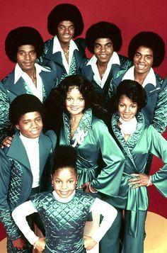 The Jacksons TV Show : L-R Jackie, Michael, Tito, Marlon, Randy, LaToya, Rebbie, and Janet