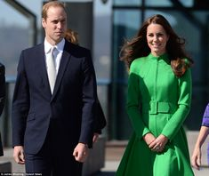 Prince William and Kate, Duchess of Cambridge arrive in Canberra Kate Middleton Prince William, Prince William And Kate, William Kate, Duchess Kate, Duke And Duchess, Duchess Of Cambridge, Princess Kate, Princess Charlotte, William And Son