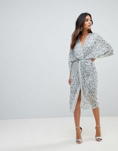 SHOP: Women's fashion/ outfits/ what to wear on a night out/ club wear/ evening wear/ glam wear/ fashionistas/ summer 2018 fashion/ ASOS Embellished Sequin Kimono Midi Dress Sequin Kimono, Kimono Dress, Dress Up, Asos Sequin Dress, Embellished Dress, Skater Dress, Xl Mode, Fashion Night, Maternity Dresses